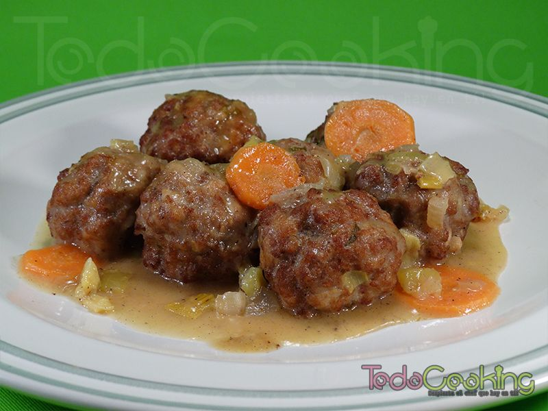 Alb ndigas en salsa de verduras - Albondigas de verdura ...