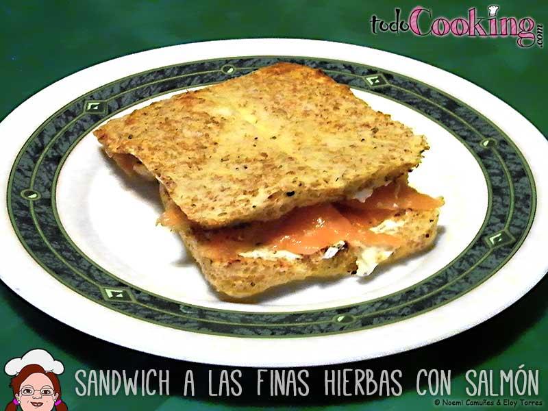 Sandwich Finas Hiervas Queso Salmon
