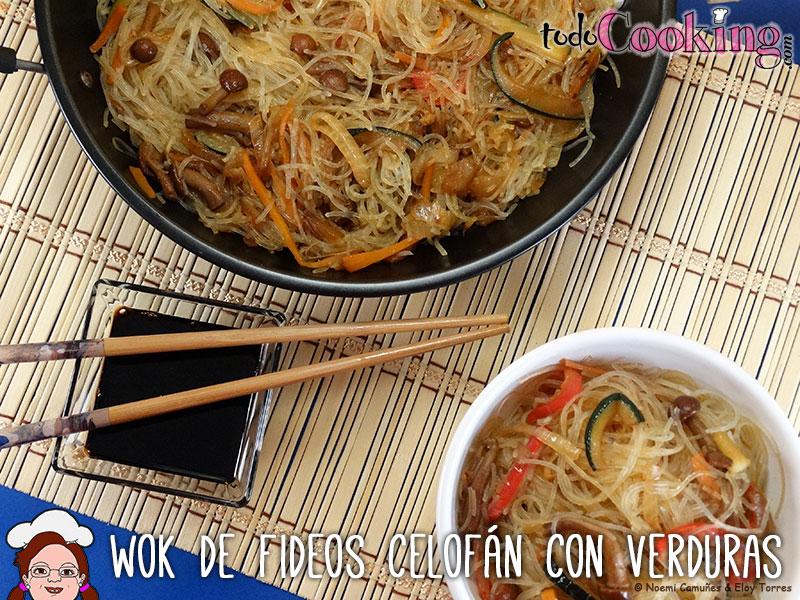 Wok fideos celofán con verduras
