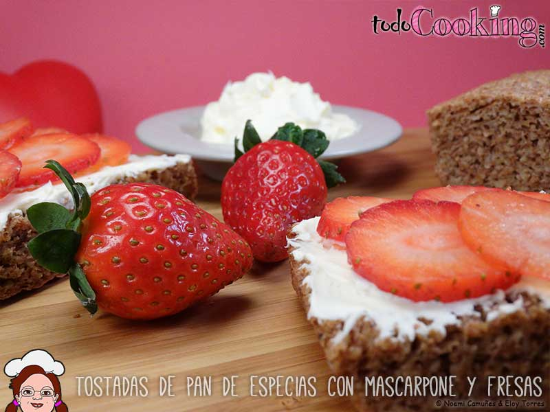 Tostadas-Pan-Especias-Mascarpone-Fresas