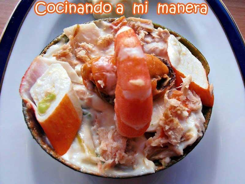 ensalada de aguacate y mariscos