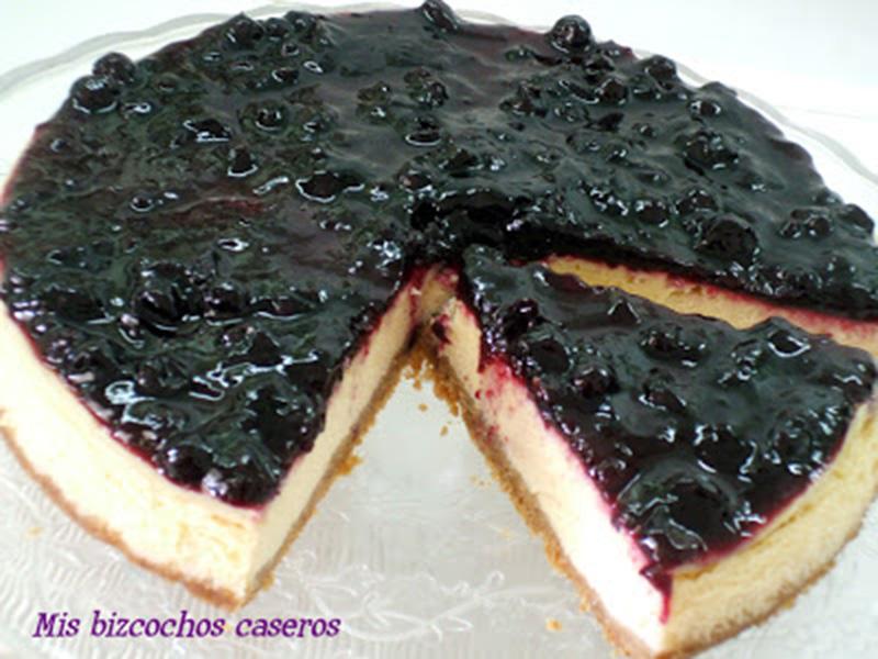 Tarta de queso y grosellas negras