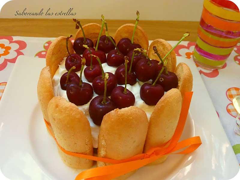 #mini-charlotte-mouse-chocolate-cerezas