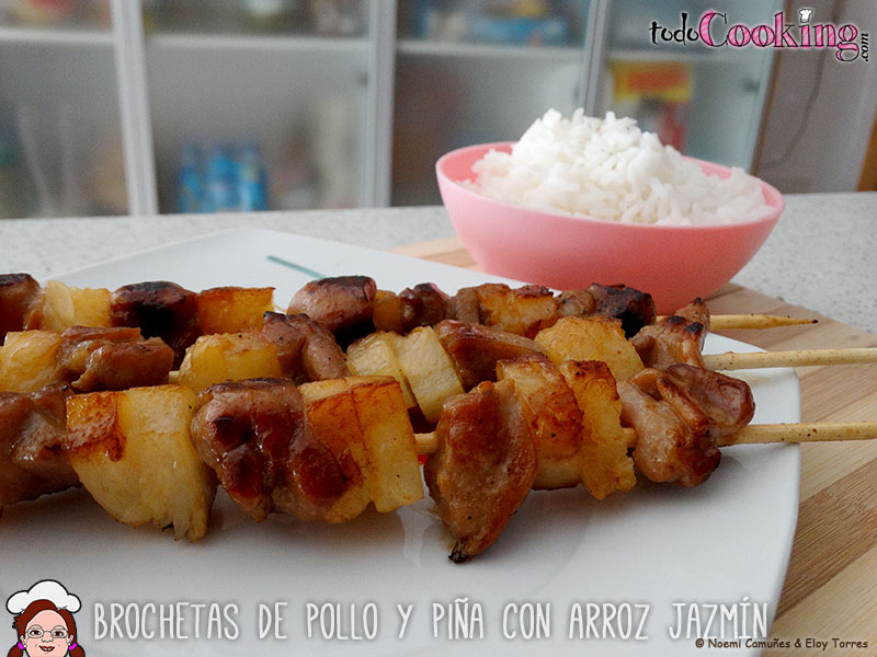 brochetas-de-pollo-y-pina-con-arroz-jazmin-04