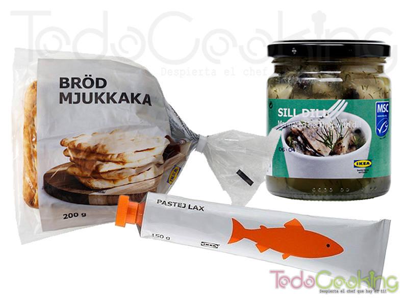 canapés de arenque con crema de salmón
